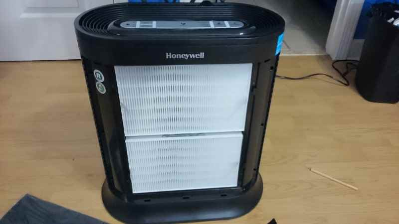 Honeywell HPA200 HEPA filter installation image