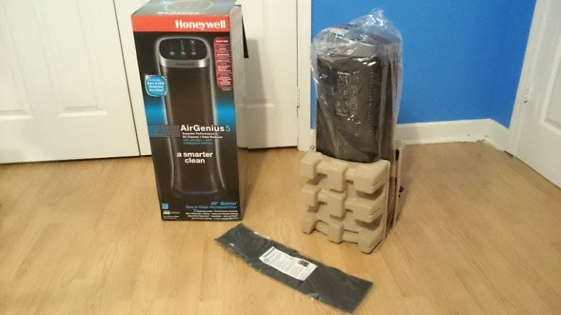 Honeywell AirGenius 5 box and included items image