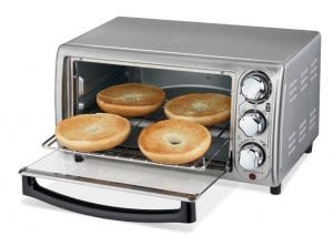 Hamilton Beach 31143 toaster oven with bagels