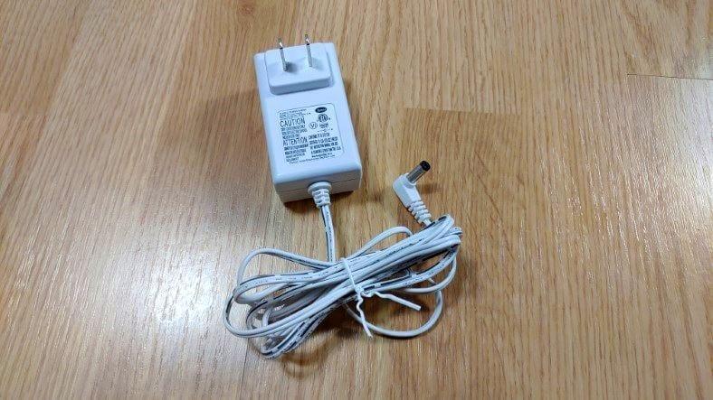 Levoit Vista 200 AC-DC 12V adapter image