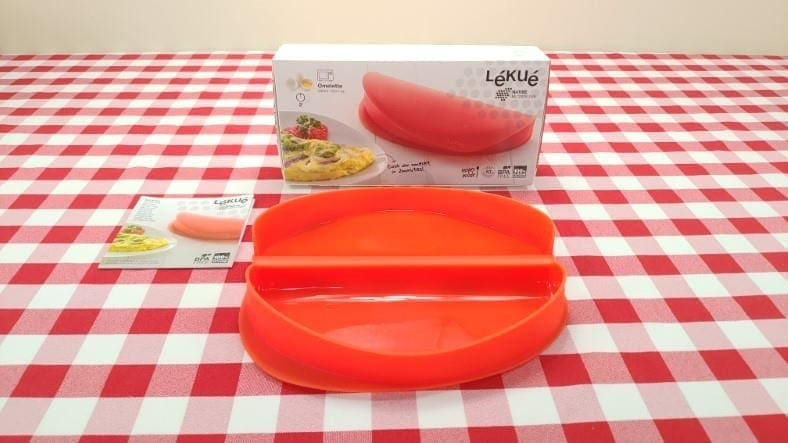 Lekue microwave egg omelette maker example
